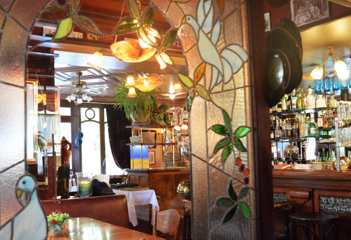 Restaurant et terrasse campagne genevoise